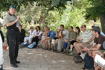 Hartman Rabbinic Leadership members on field trip, summer 2008